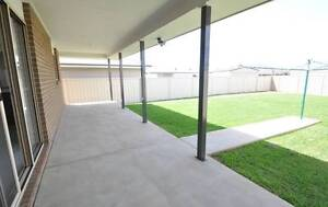 MODERN DUPLEX - SIZE OF A HOUSE Junee Junee Area Preview