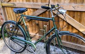 Vintage Retro road bike Dynamo Lights town city bike Dutch style