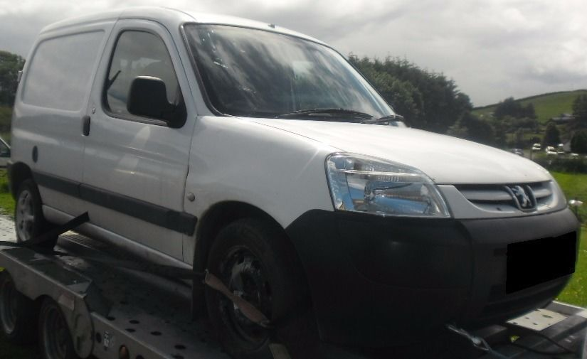 BREAKING 2003 PEUGEOT PARTNER 1.9 DIESEL -- NO TEXTS PLEASE - NEWRY / ARMAGH