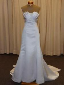 Maggie Sottero Halle Ivory Wedding Gown, Size 8, Never Worn