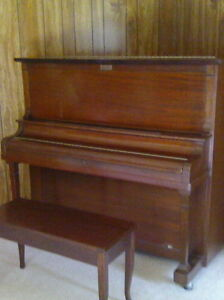 Piano located in Arnprior