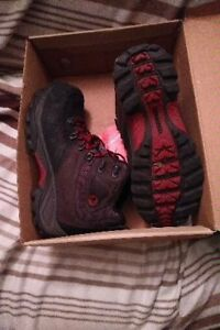 MERRELL WINTER HIKE STYLE BOOTS 9/10 CONDITION