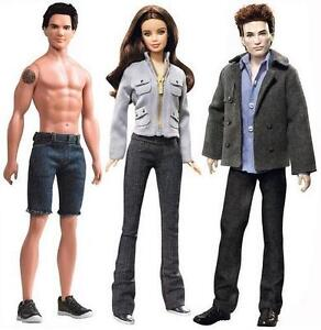 Twilight-Saga-Barbie-Dolls-3-Doll-Set-of-Bella-Edward-Jacob-Pink-Label-12