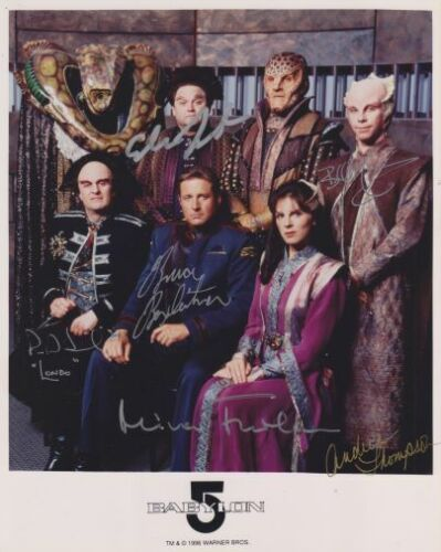 BABYLON 5 photo signed by autographed by 6 cast  Bruce Boxleitner  Bill Mumy