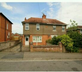 3 bed house for rent Bath Road