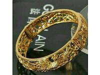 Women's beautiful bangle