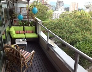 Modern Airy Penthouse Loft Downtown-West End Greater Vancouver Area image 9