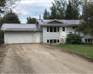 4 bedroom, 2 bath home-Paradise Gardens, Hay River, NT