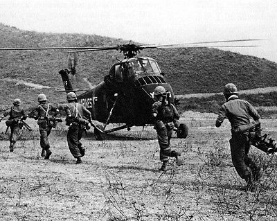 Marines boarding Sikorsky UH-34D Seahorse Helicopter 8x10 Vietnam War Photo 266