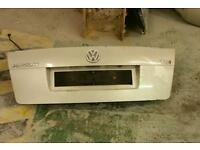 Vw passat b5 boot lid