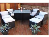Outdoor table and chairs 4 seater excellent cond