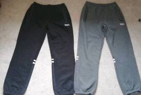 Size medium joggers mens