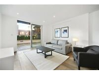 Stunning 2 bed, 1 Bath with Private Roof Terrace, Gym and Concierge