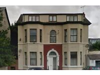 1 bed top fl newly decorated flat southport close to marina, parking, gch, unfurn, quiet location