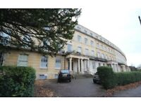 1 bedroom flat with parking, Montpellier, Lansdown Crescent £775p/m