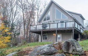 Manitouwabing Lakefront Viceroy Style Home/Cottage