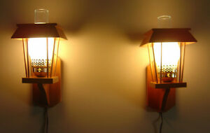 Indoor Pair of Electric Wooden Lamp Western Style Lamp