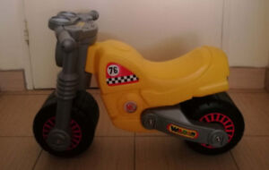 Wader Quality Toys RIDE-ON MOTORBIKE, Ages 18+ Months