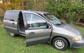 *FORD WINDSTAR-VAN*  130 Thousand km On It. All Works Fine!