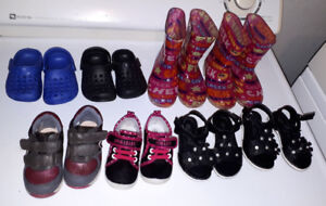 7 pairs of footwear for sale. GUC. 30$ for all