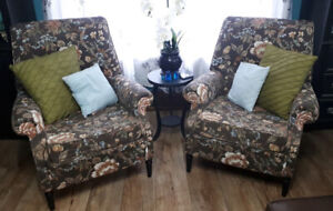2 Matching Chairs