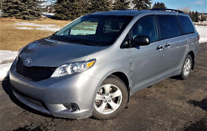 2015 Toyota Sienna, 7 Passenger, No Accidents