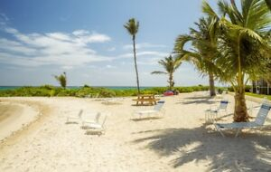 Vacation in Paradise! Barefoot Lagoon, House in Grand Cayman.