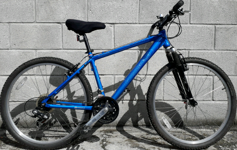 adults pinnacle bike | in Grangetown, Cardiff | Gumtree