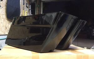 OEM Harley Saddlebags lowers Vivid Black 2011