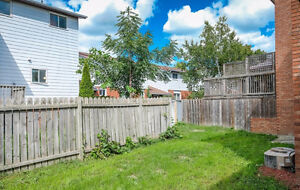**Reduced** Semi-detached in Forest Glade Move in Ready! Windsor Region Ontario image 2
