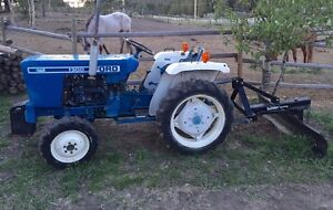 Ford 1300 diesel 4x4 tractor with Pto and locking diff