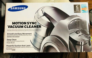 Brand New !!! Samsung ! Motion Sync Bagless Vaccum Cleaner