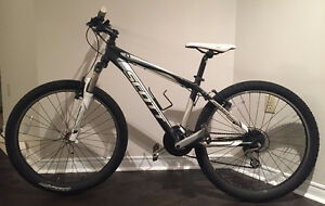 BEAUTIFUL Scott Aspect 740 Mountain Bike ($700 Original)