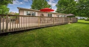 Cottage for rent, sleeps 7, between Grand Bend/Bayfield