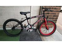 Universal Jackal BMX Bike. 20 inch wheels. (Suit age: 8 yrs to 16 yrs).
