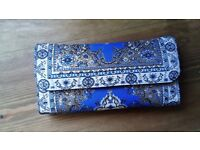 Beautiful, Traditional Carpet Design Turkish Woven Wallet/Purse with a Clutch