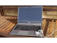 """Last Gen. 13.3"""" Fujitsu laptop i5 6300U 4GB DDR4 RAM RPR 867£+"""