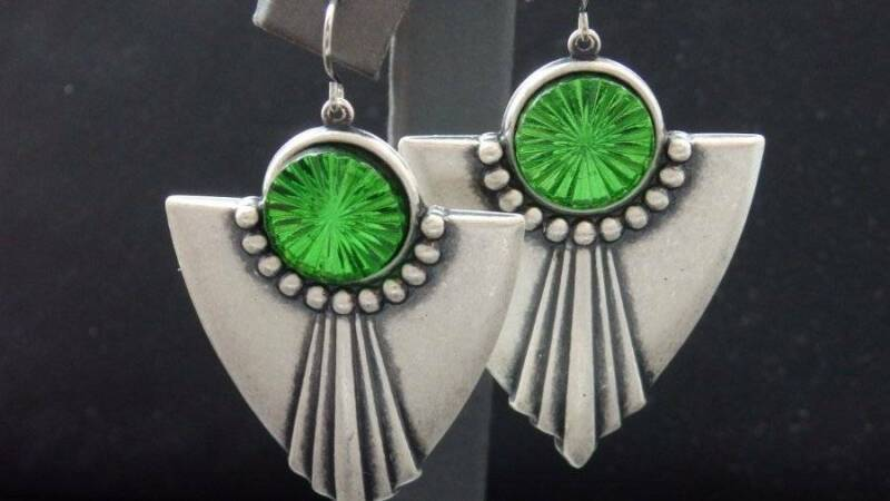 Art Deco Style Vintage Green Rayed Glass Antique Silver Plated Dangle Earrings