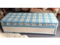 Single bed in immaculate condition