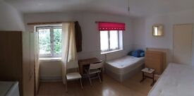HUGE DOUBLE BETHNAL GREEN AREA! 190PW! AVAILABLE NOW!