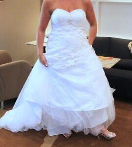 Robe de mariée grandeur 8