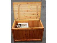 Pine blanket box, modern