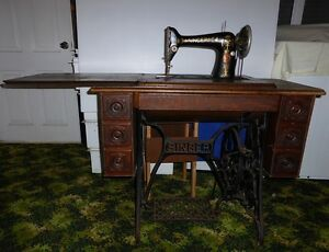 1916 Singer Antique Treadle Sewing Machine Newcastle Newcastle Area Preview