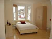 ALL BILLS INCLUDED! BRIGHT SPACIOUS DOUBLE STUDIO ROOM (THROUGH LOUNGE) WITH EN-SUITE. ZONE 2