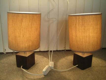 2 bedside lamps 3 table lamps free stuff