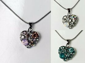 NEW Ladies Jewellery Pendant Crystal set heart on snake chain necklace in blue