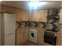 Lower Ground Floor Flat - 5 Minute Walk To Huddersfield Town & Uni - Hillhouse, HD1