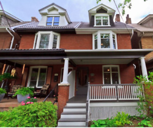 Spacious&bright semi detached house for rent in highpark\bloor