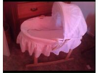 moses basket,with white cover,matress and stand