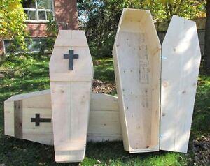 Halloween Coffin, Props